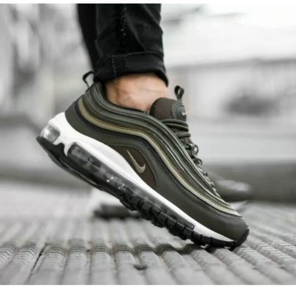 Nike Women's Air Max 97 Olive Green size 7